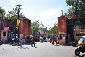 Ворота от Казане Валон ка Раста к дороге Базар Индиры