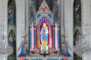 Католическая церковь Богоматери Искупления внутри