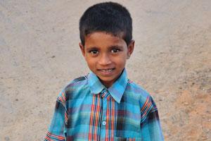 Маленький индийский мальчик