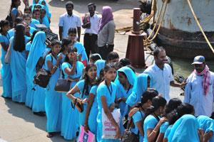Синие одежды индийских девушек