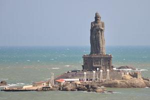 Вид на Индийский океан и статую Тируваллувар