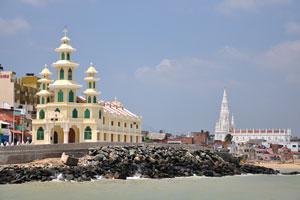 Вид с парома на церковь св. Арокия Натара и церковь Богоматери Искупления