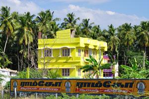 Жёлтый дом на дороге между Сучиндрам и Каньякумари