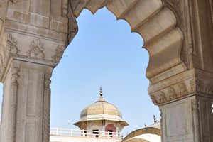 Вид из Кхас Махал на Мусамман Бурдж