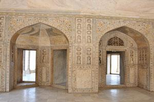 Мусамман Бурдж: красивый цветочный дизайн