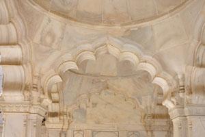 Мраморные постройки Нагина Масджид