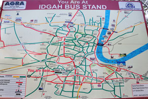 Огромная туристическая карта на автовокзале Идгах