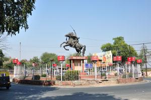 Статуя Рани Лакшми Бай