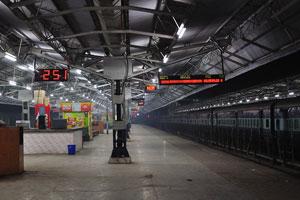 Железнодорожный вокзал Агры (Cantt.) ночью