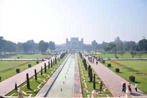 Сад Чарбагх возле Тадж-Махала